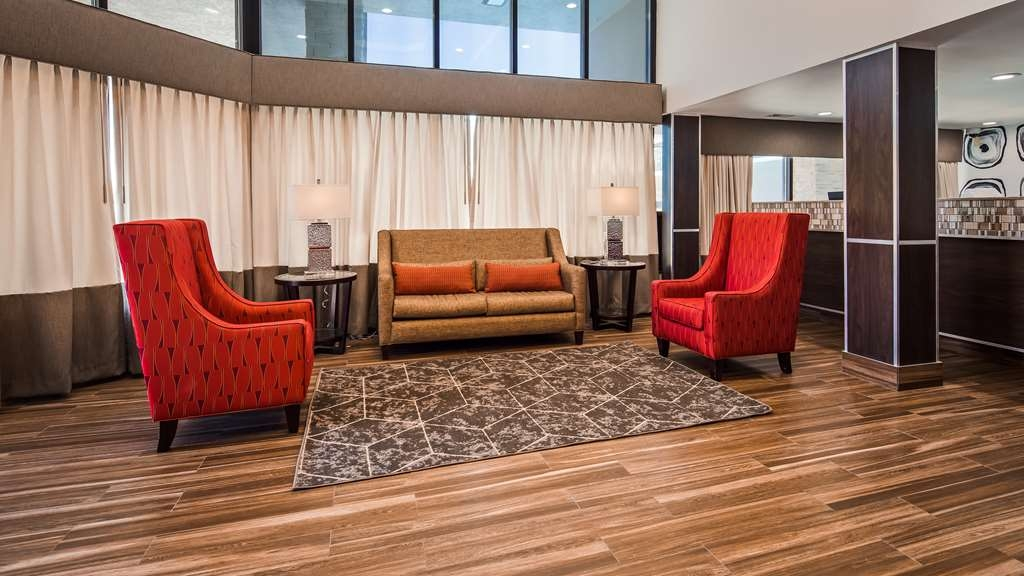 Best Western Center Inn - Our lobby is the perfect spot to relax after a long day of work and travel.