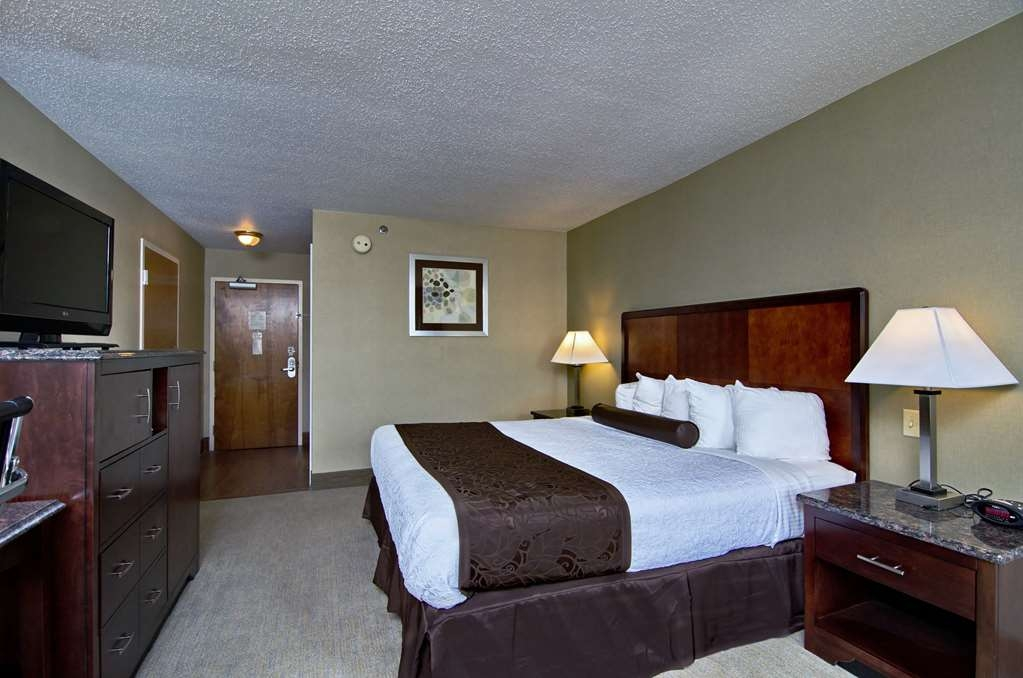 Best Western Plus Inn at Hunt Ridge - Our standard guest room with one king bed offers the comforts of home with a few added amenities that will make your stay extra special.