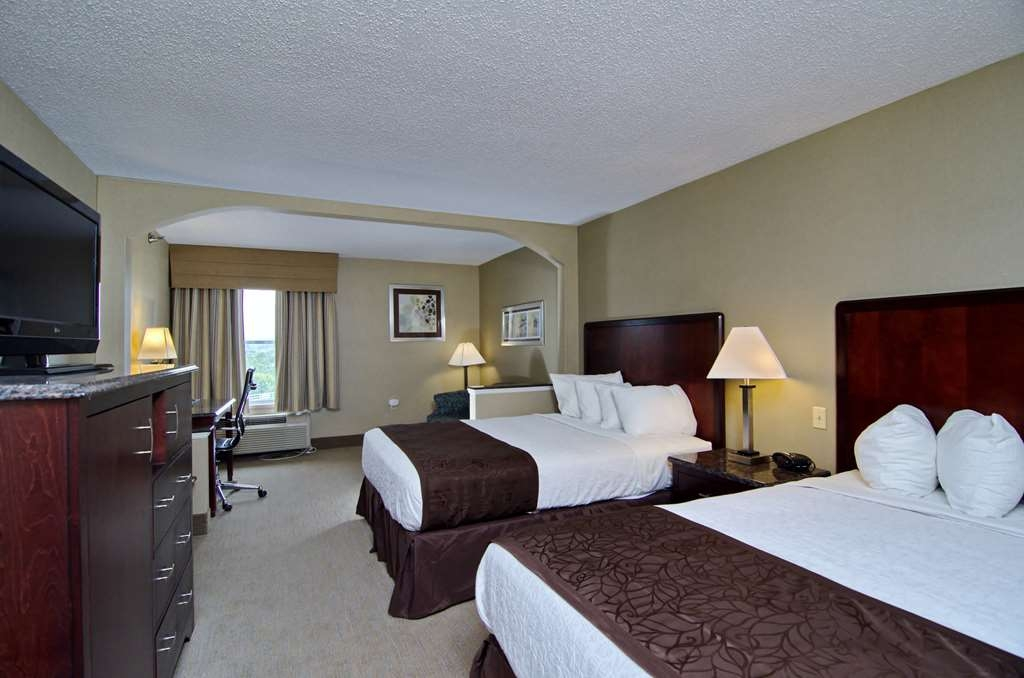 Best Western Plus Inn at Hunt Ridge - Two Queen Beds and Sofabed