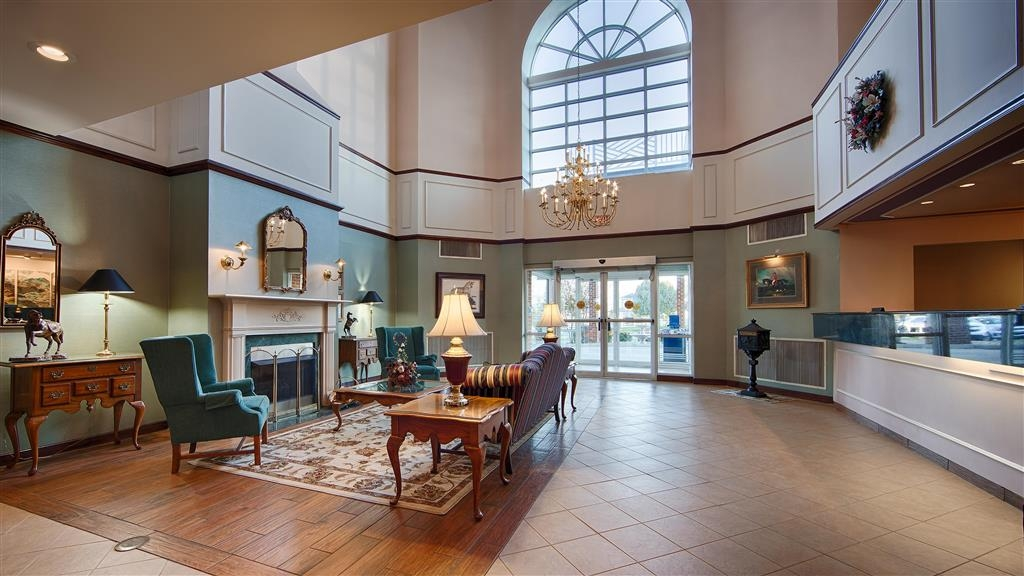 Best Western Plus Inn at Hunt Ridge - The moment you step into our spacious lobby, you'll feel like part of our family.