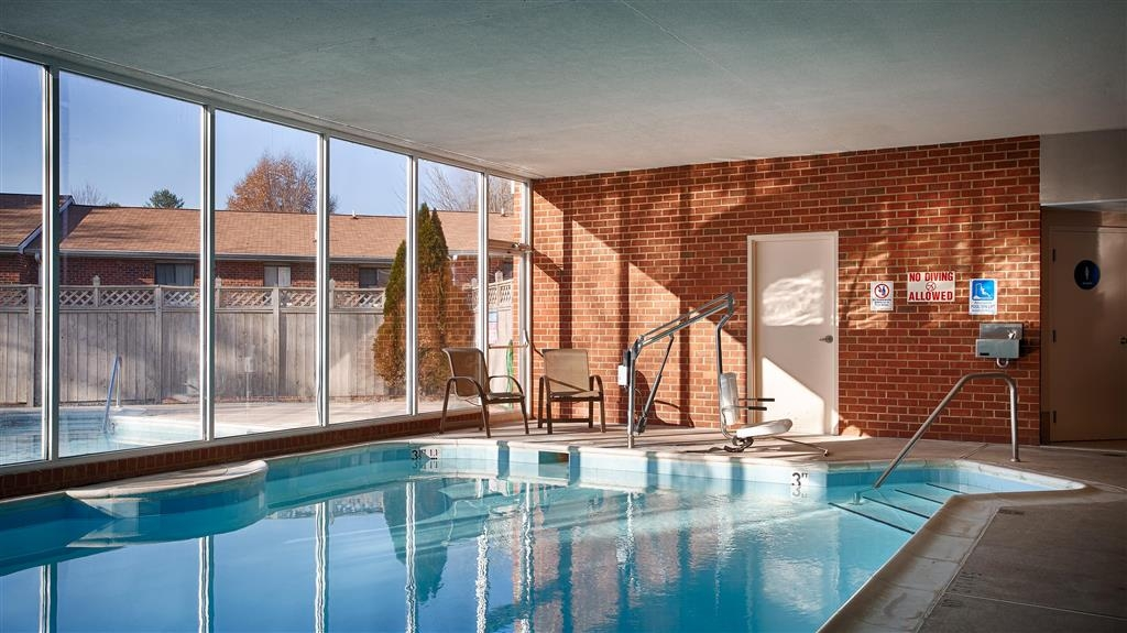 Best Western Plus Inn at Hunt Ridge - Enjoy a relaxing swim in the indoor heated swimming pool with our swim-between seasonal outdoor pool.