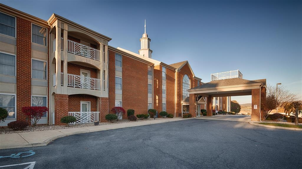 Best Western Plus Inn at Hunt Ridge - Experience the meaning of true comfort at the Best Western Plus Inn at Hunt Ridge.