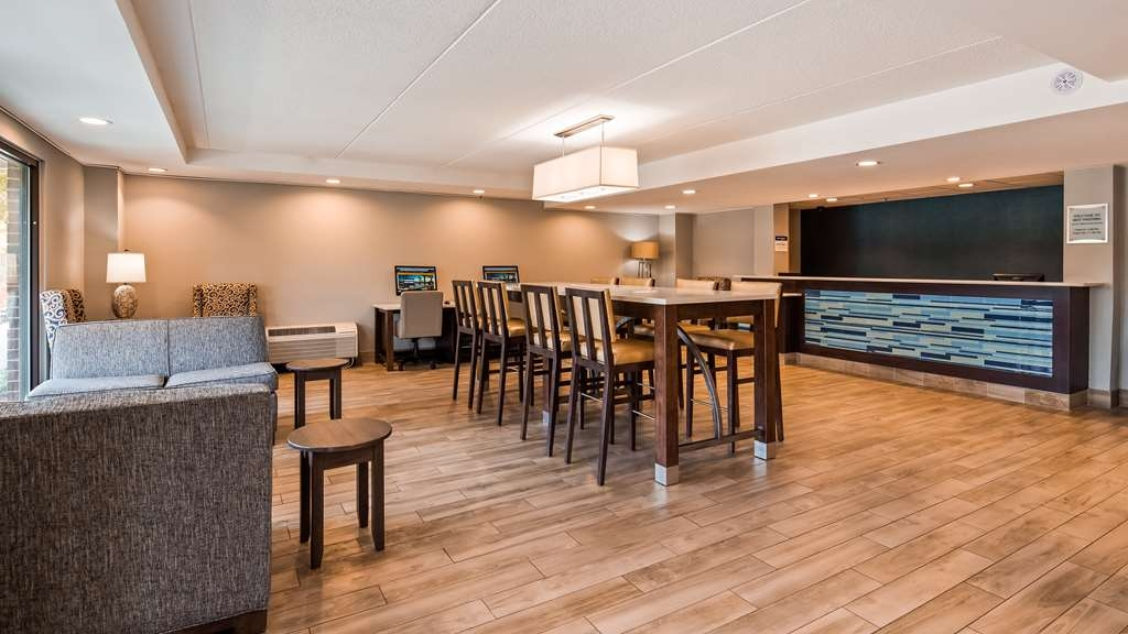 Best Western Mount Vernon/Ft. Belvoir - Lobby Area