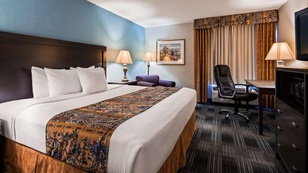 Best Western Mount Vernon/Ft. Belvoir - Need to get your work done during your stay with us? We offer free high-speed Internet in every guest room.