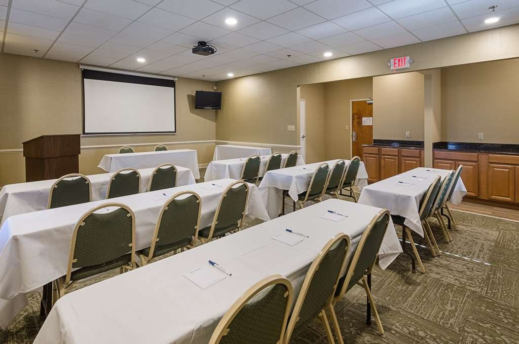 Best Western Plus Inn at Valley View - Book our meeting room today and let us take care of all of your training needs with up-to-date audio/visual equipment.