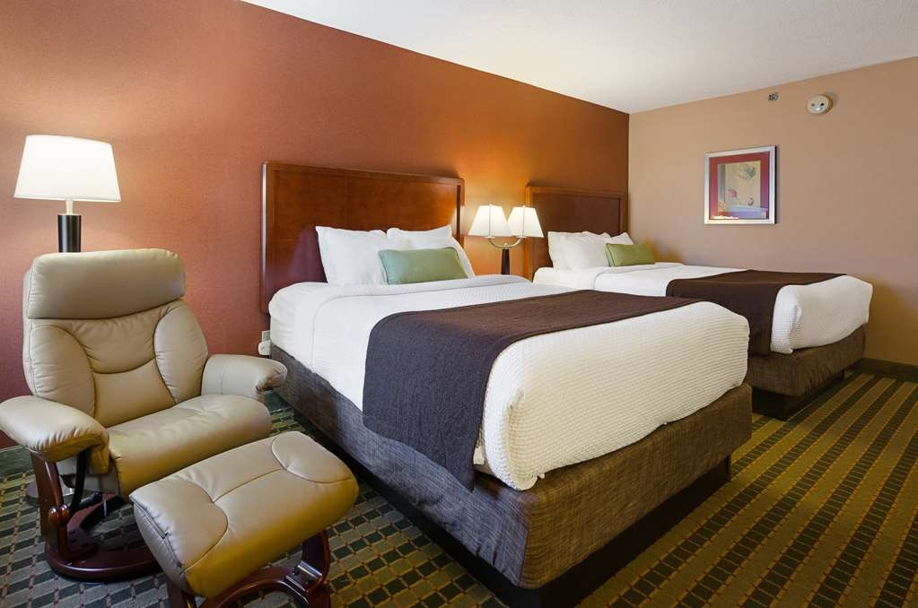 Best Western Plus Inn at Valley View - Enjoy your stay in our spacious guest room featuring 2 queen premium pillow-top beds, granite counter tops throughout the room and more.