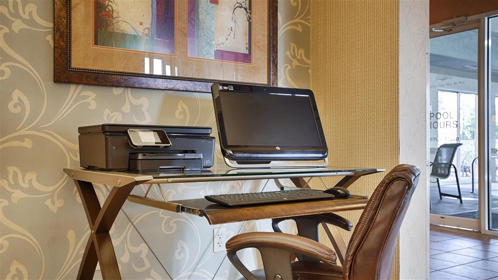 Best Western Plus Inn at Valley View - Print out your boarding passes or just check your email in our business center.