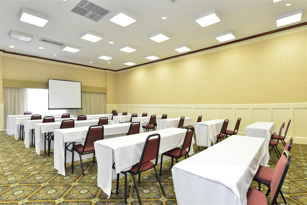 Best Western Battlefield Inn - Meeting space with breakout rooms. Talk to our Catering manager today.