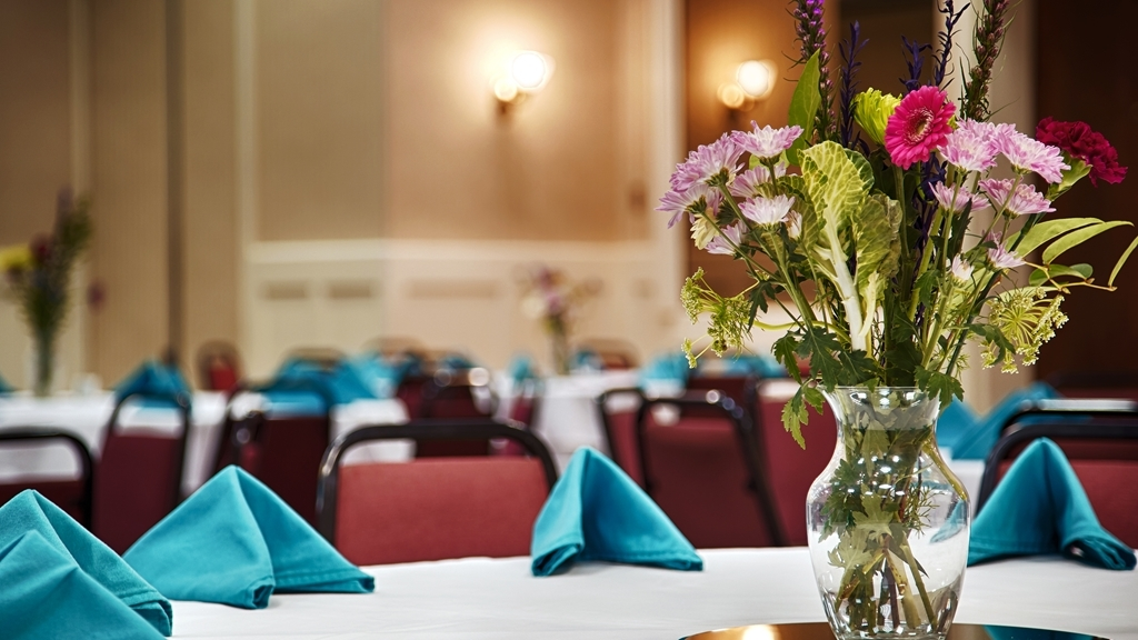 Best Western Battlefield Inn - Book your next social or Corporate event in our spacious ballroom