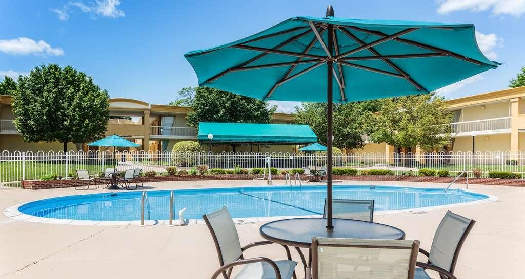 Best Western Battlefield Inn - Pool view