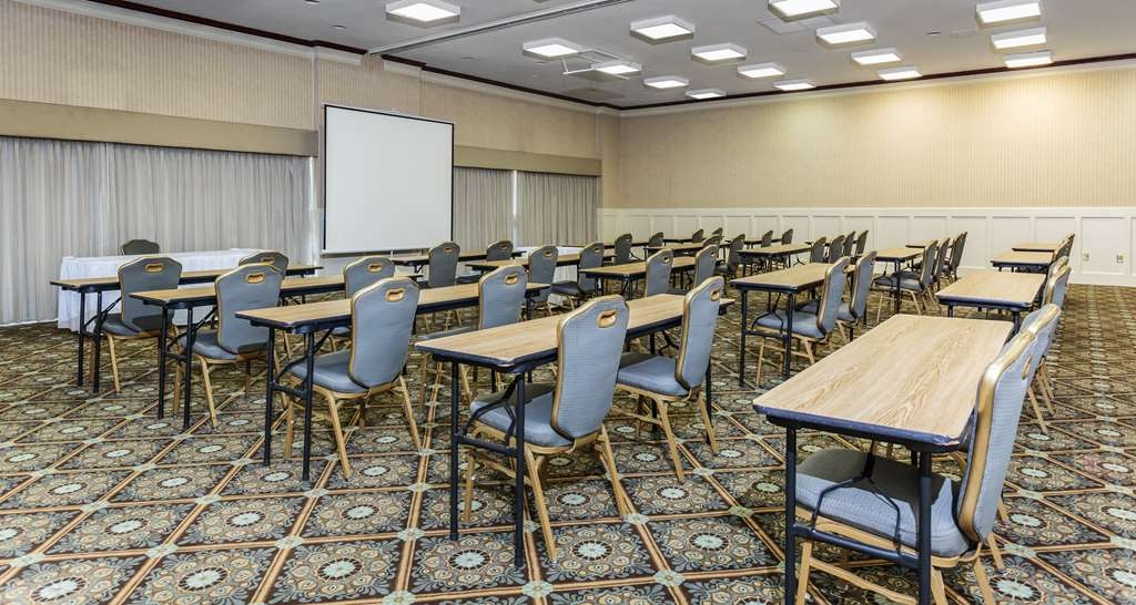 Best Western Battlefield Inn - Meeting space with breakout rooms. Talk to our catering manager today