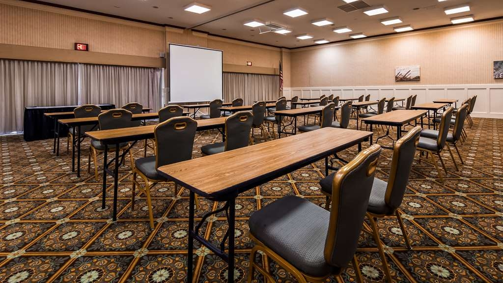 Best Western Battlefield Inn - Work with our talented Sales team to book your next meeting or social event.
