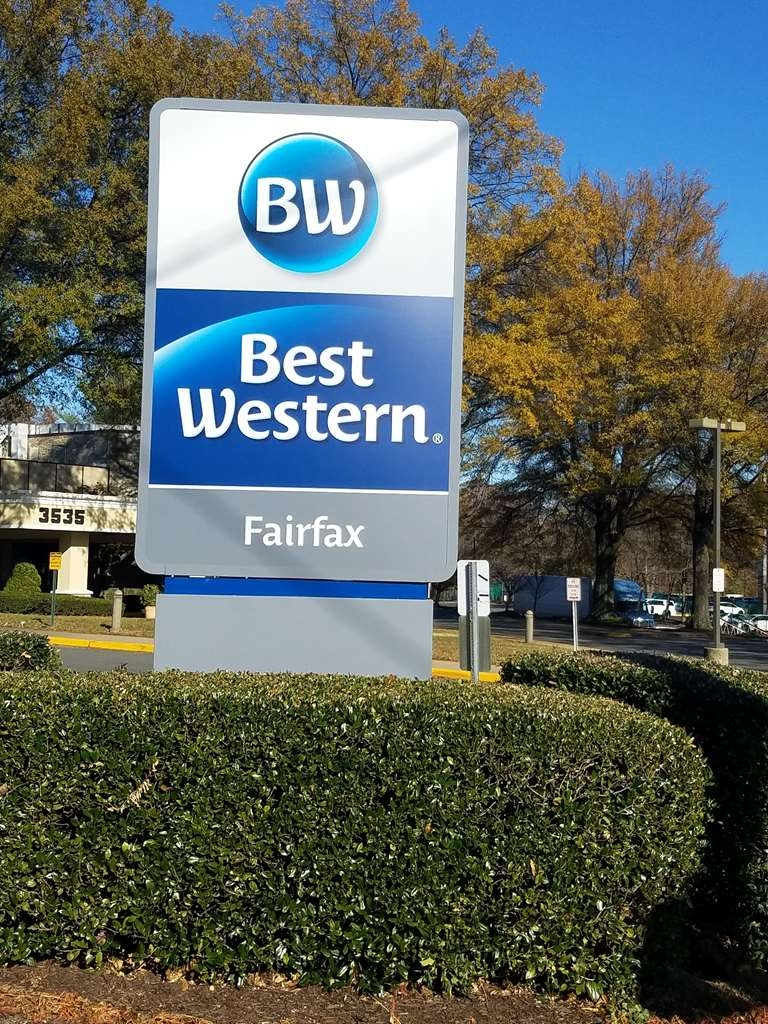 Best Western Fairfax - Exterior Entrance from Route 123 Chain Bridge Road