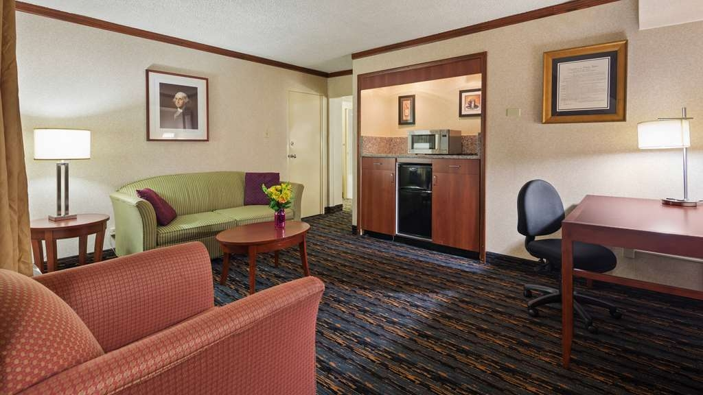 "Best Western Fairfax - Suite Living Room, Microwave, Refrigerator, 40"" HD TV with verity of channels offered by COX , Pull out sofa Bed, Desk, Lounge Chair,Wi-Fi, Refrigerator & Microwave, Coffee Maker, Coffee & Tea"