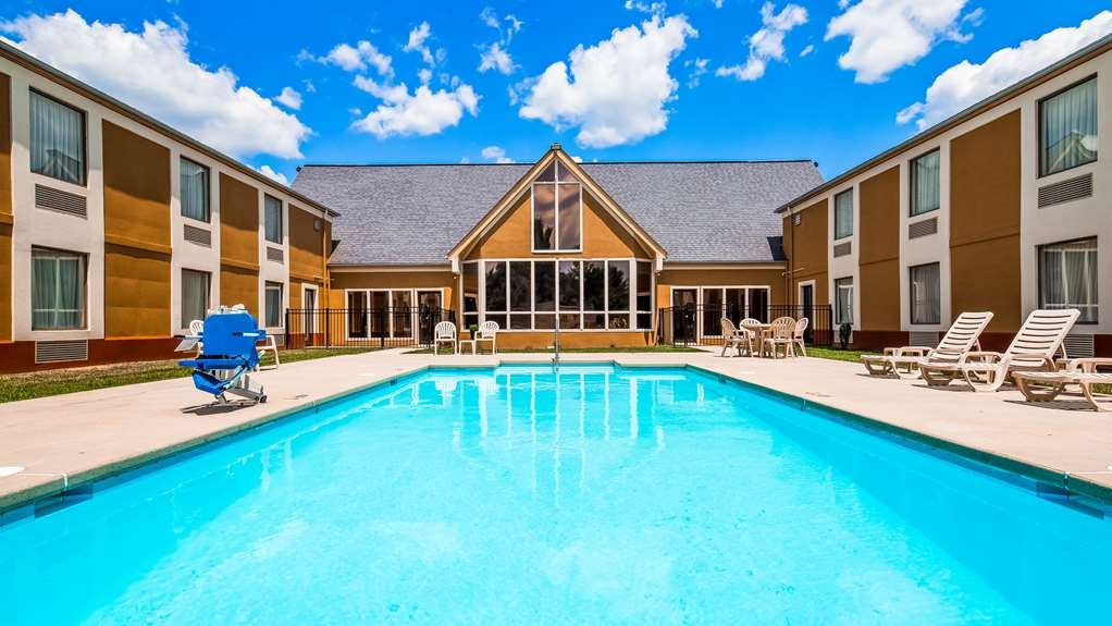 Best Western Wytheville Inn - Outdoor Pool