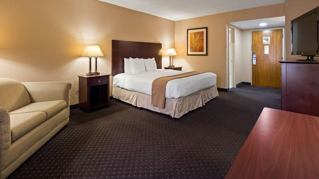 Best Western Executive Hotel - King Bedded Guest Room with Sofa Bed