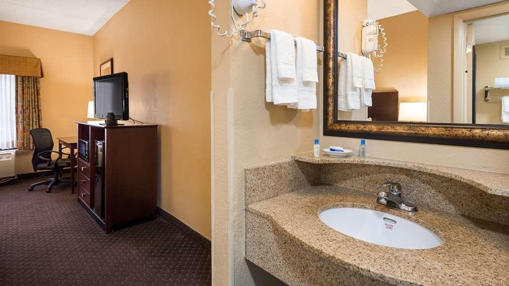Best Western Executive Hotel - Bathroom
