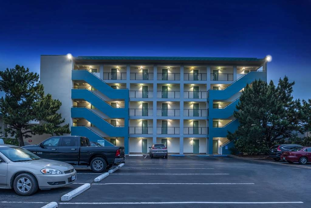 Best Western Plus Holiday Sands Inn & Suites - Vista Exterior