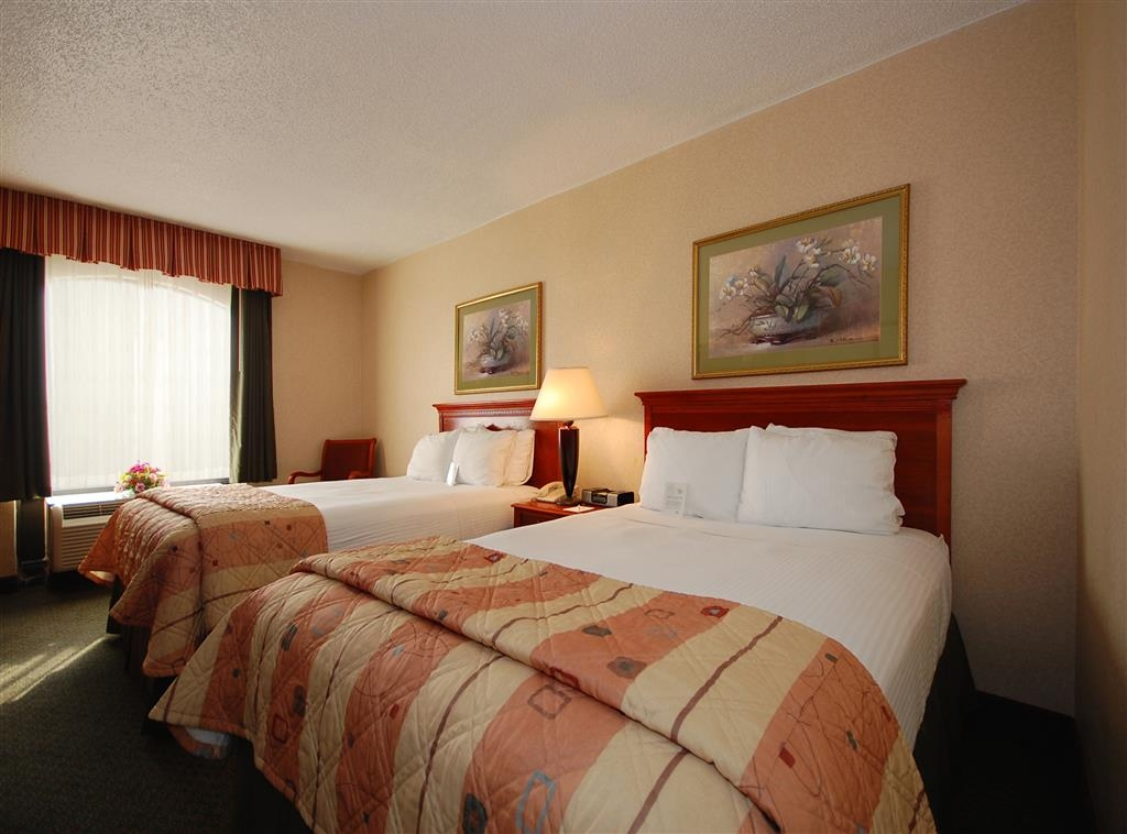 Best Western Springfield - Family travelers will be drawn to this well-appointed guest room with two double beds with upscale bedding and linens.
