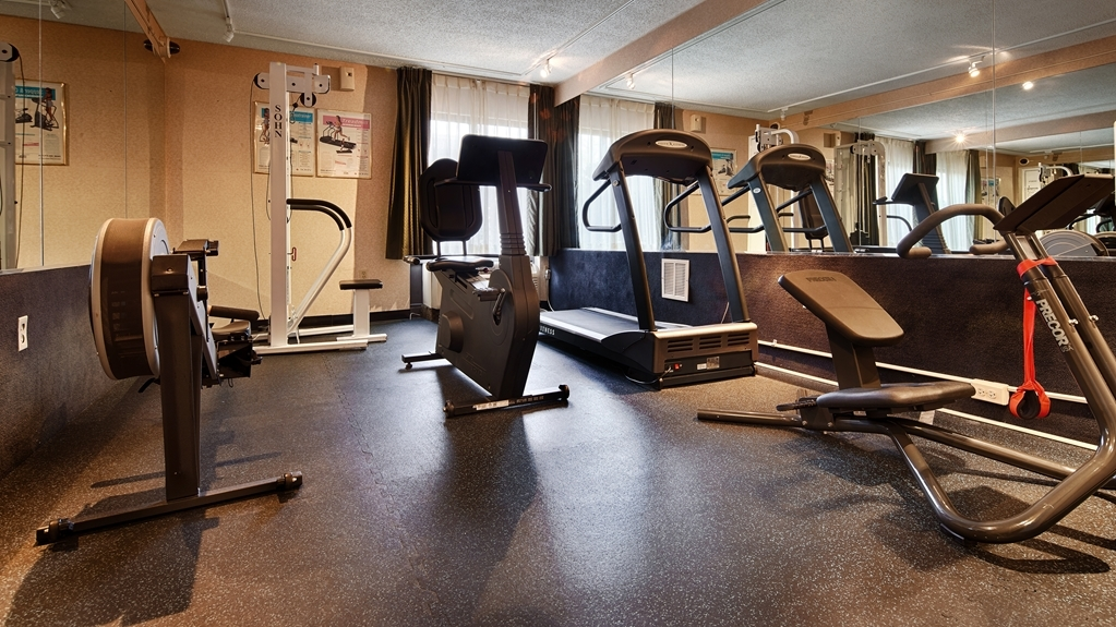 Best Western Springfield - Stay in great shape while visiting. Our onsite fitness center boasts a treadmill, stair-stepper, stationary bike and weight-training equipment.