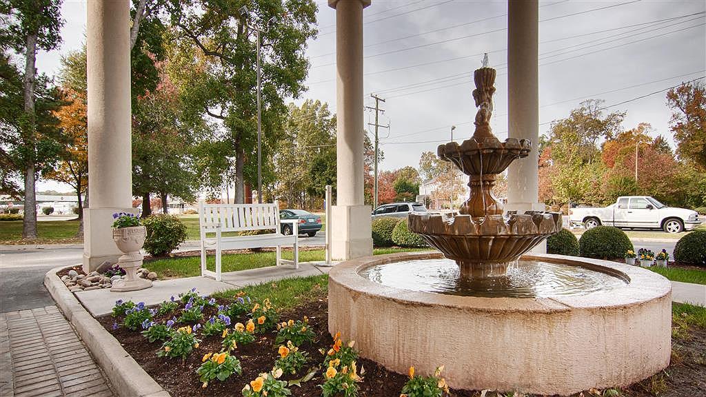 Best Western Plus Newport News Inn & Suites