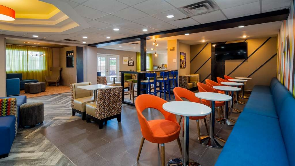 Best Western Plus Newport News Inn & Suites - Vue du lobby