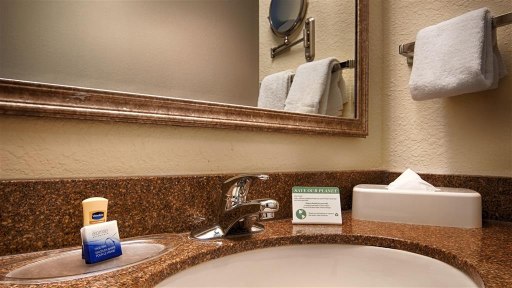 Best Western Plus Newport News Inn & Suites - Salle de bain