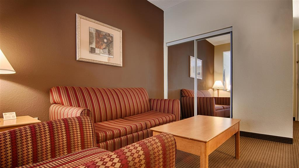 Best Western Plus Newport News Inn & Suites - Chambres / Logements