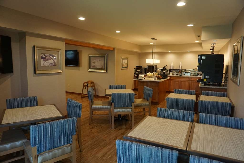 Best Western Chincoteague Island - Breakfast Area