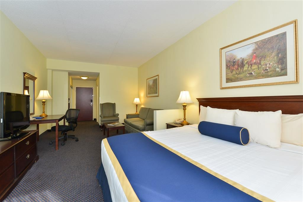 Best Western Plus Crossroads Inn & Suites - Kick back and relax after a long day in our spacious, one bedroom suite.