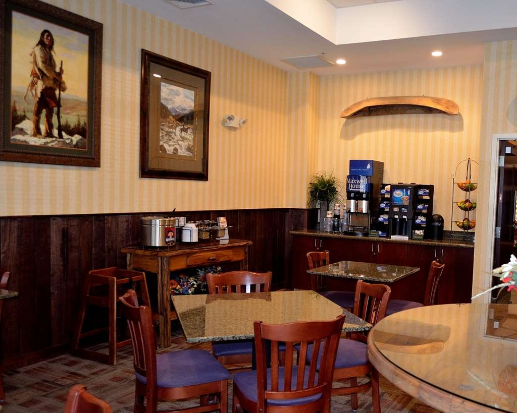 Best Western Plus Crossroads Inn & Suites - Newly renovated breakfast room, completed 2016.