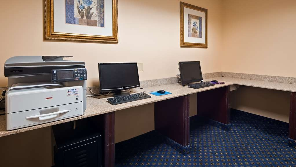 Best Western Plus Crossroads Inn & Suites - Business Center