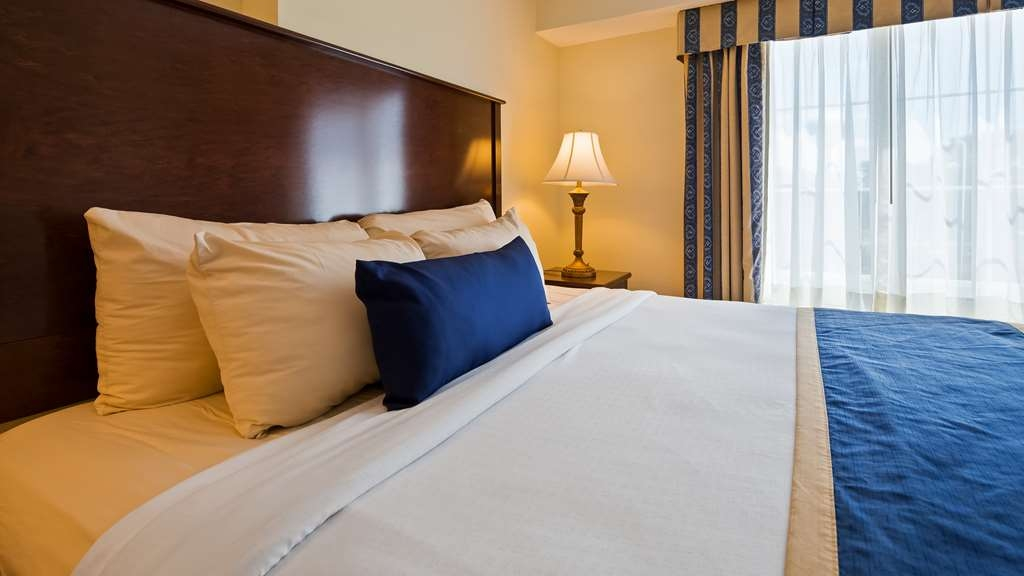 Best Western Plus Crossroads Inn & Suites - Guest Room