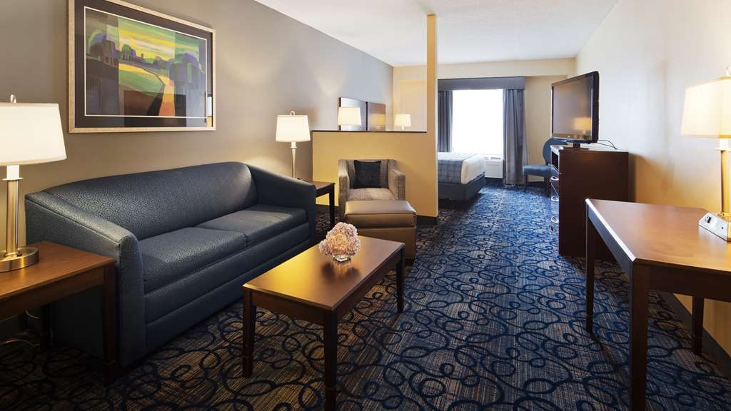 Best Western Plus Waynesboro Inn & Suites Conference Center - Suite