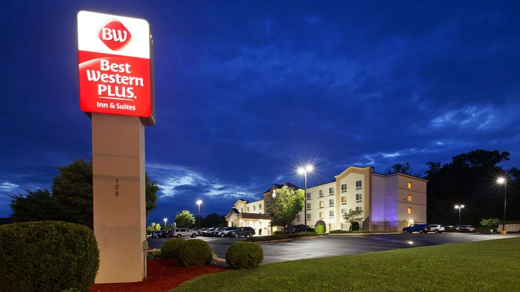 Best Western Plus Waynesboro Inn & Suites Conference Center - Vista Exterior