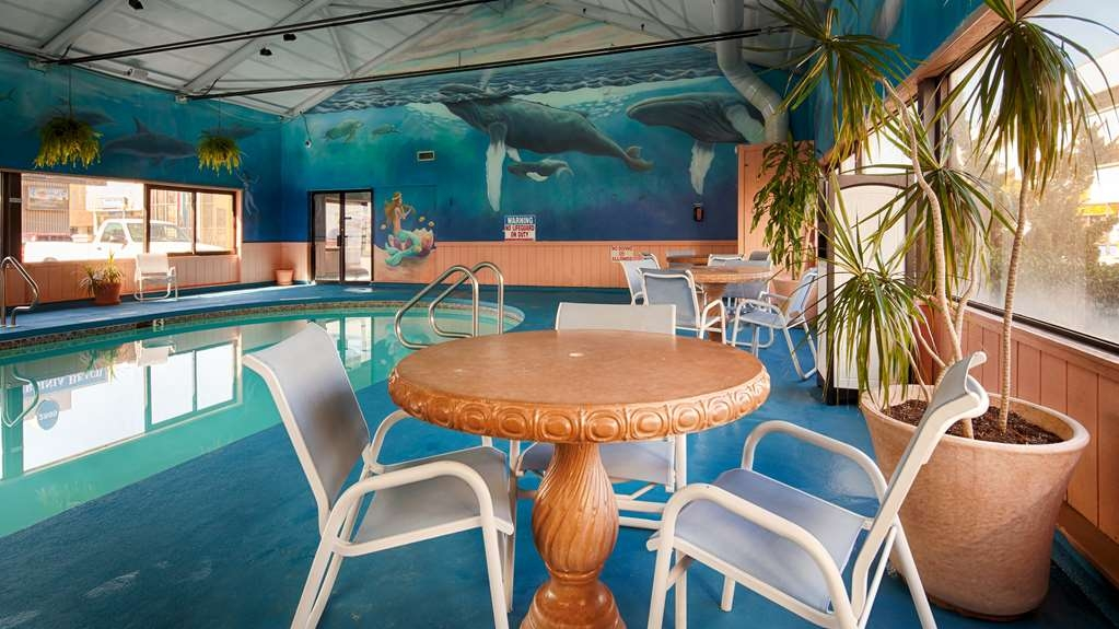 Best Western Plus Virginia Beach - Indoor Pool