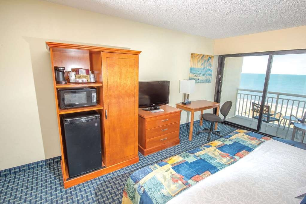 Best Western Plus Virginia Beach - Armoire with Refrigerator and Microwave
