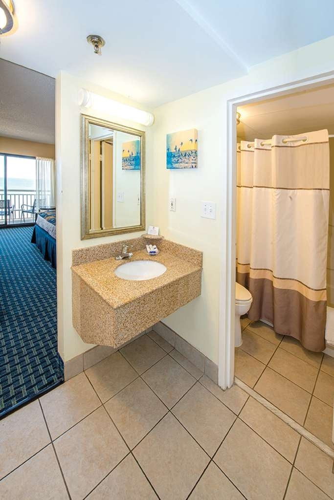 Best Western Plus Virginia Beach - Bathroom with Separate Vanity