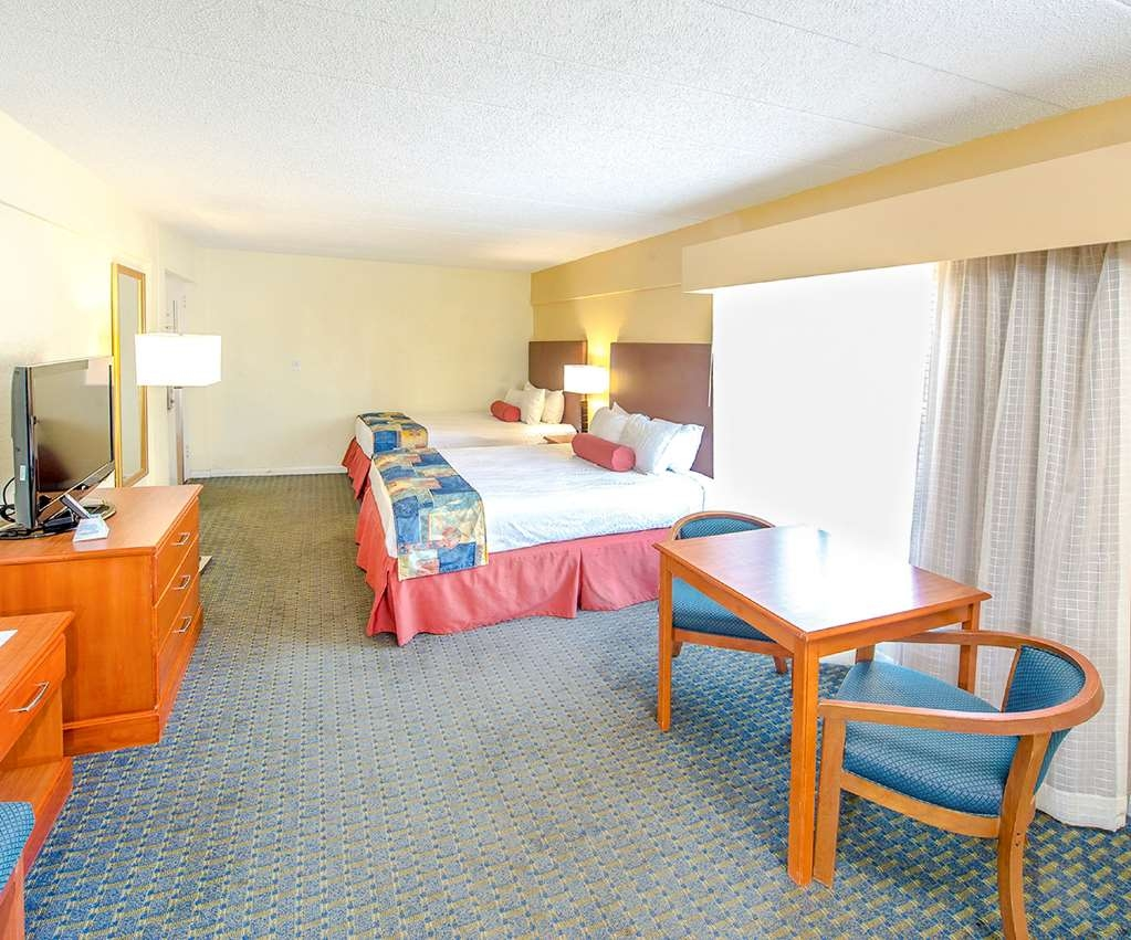 Best Western Plus Virginia Beach - Double room with wet bar located in our non-oceanfront building, which is located across the street from the main hotel, which has exterior corridors.
