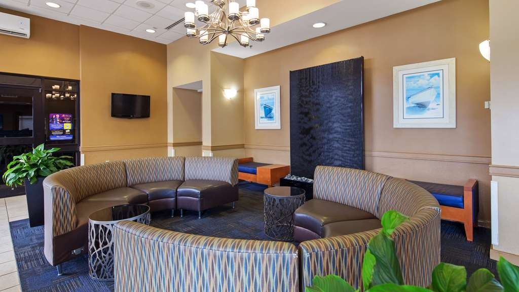 Best Western Plus Virginia Beach - Hotel Lobby