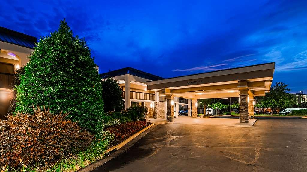 Best Western Dulles Airport Inn - Exterior Night