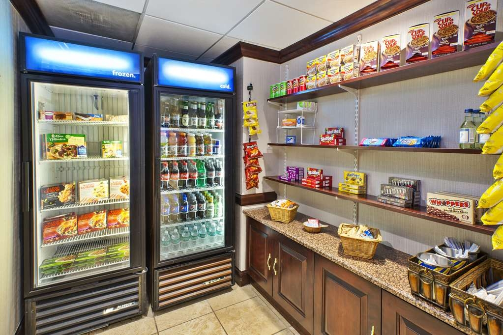 Best Western Dulles Airport Inn - Our lobby market features grab-and-go snacks, beverages and sundries.
