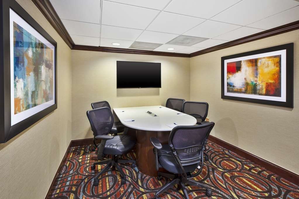 Best Western Dulles Airport Inn - Our Social Room is the perfect spot to plug in and take care of business.