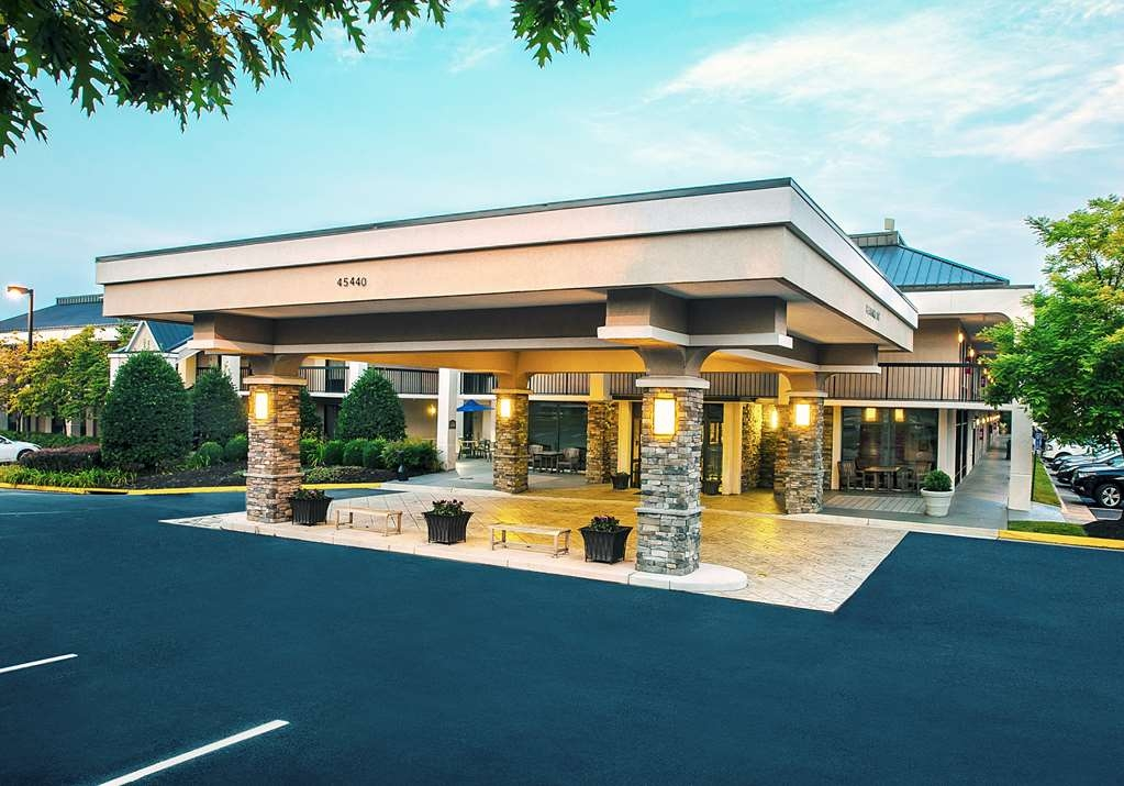Best Western Dulles Airport Inn - Make the Best Western Dulles Airport Inn, your home away from home while exploring Sterling, Virginia.
