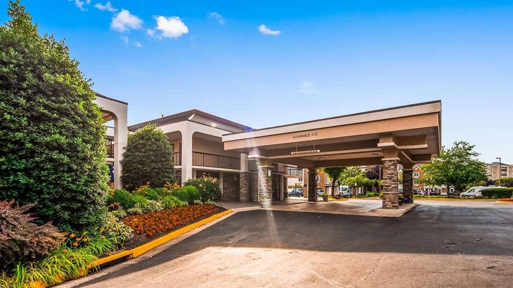 Best Western Dulles Airport Inn - Facciata dell'albergo