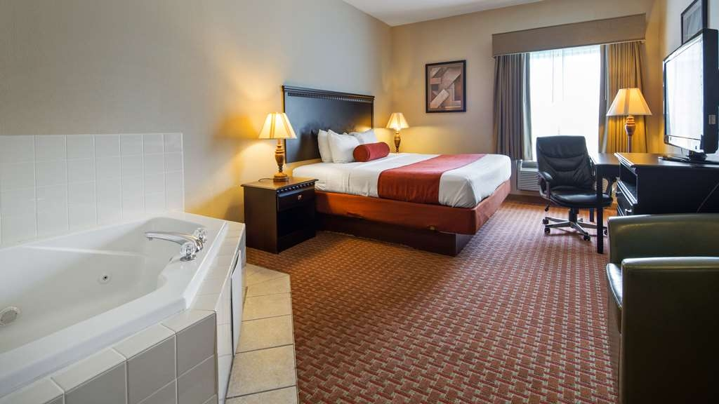 Best Western Plus Hopewell Inn - Suite