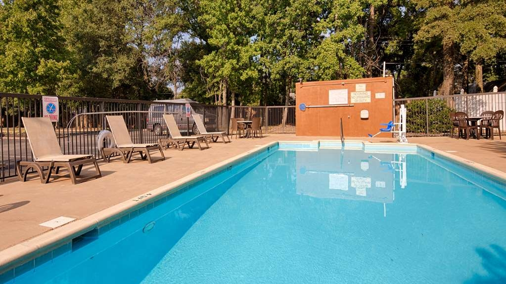 Best Western Plus Richmond Airport Hotel - Vue de la piscine