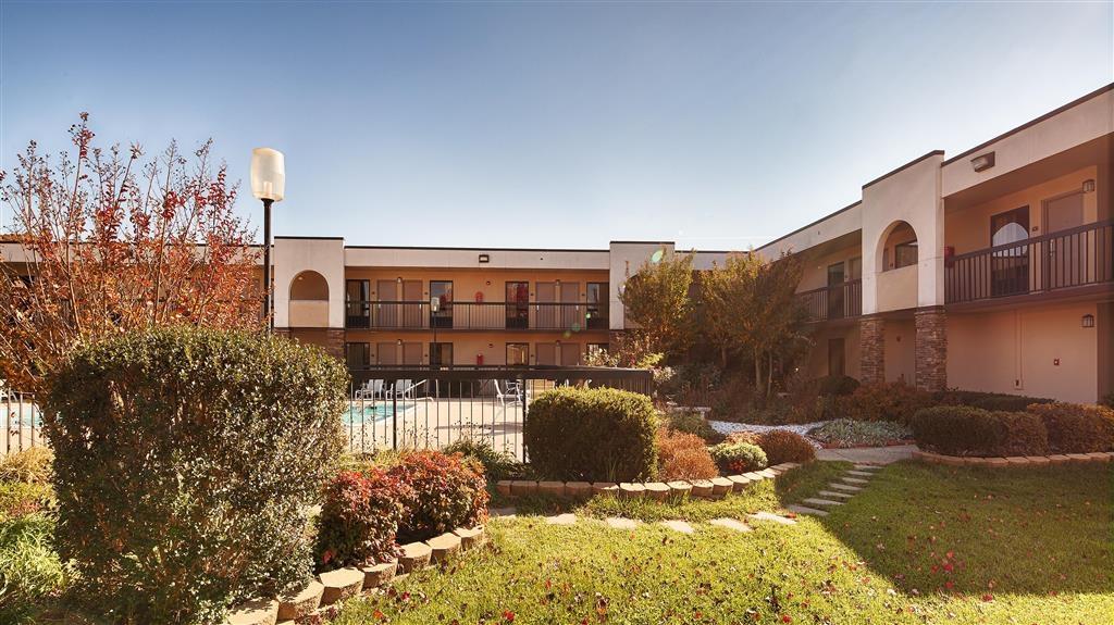 Best Western Aquia/Quantico Inn - Pool Exterior