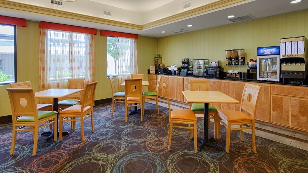 Best Western Plus Glen Allen Inn - Prima colazione a buffet