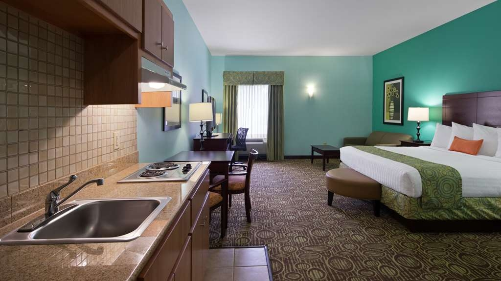 Best Western Plus Glen Allen Inn - Suite